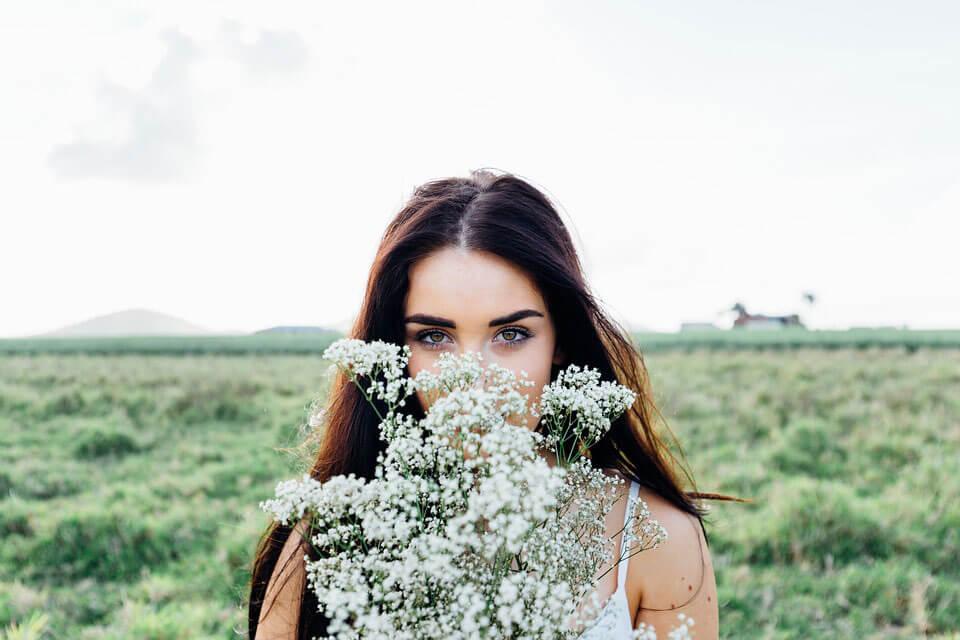 Frau-mit-Blumen-NEU